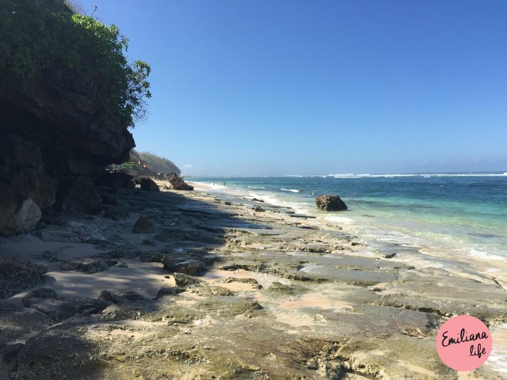 80 finns beach pedras
