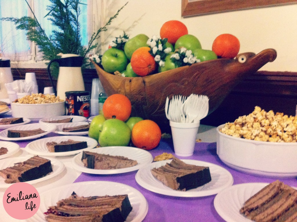 455 bolo cortado pratinhos mesa cafe manha